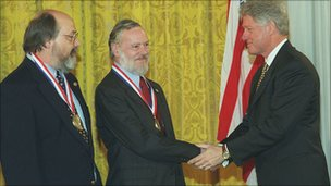 Ken Thompson and Dennis Ritchie with Bill Clinton