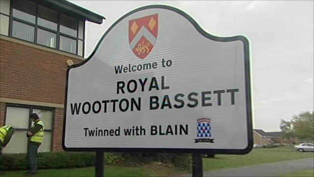 Royal Wootton Bassett sign