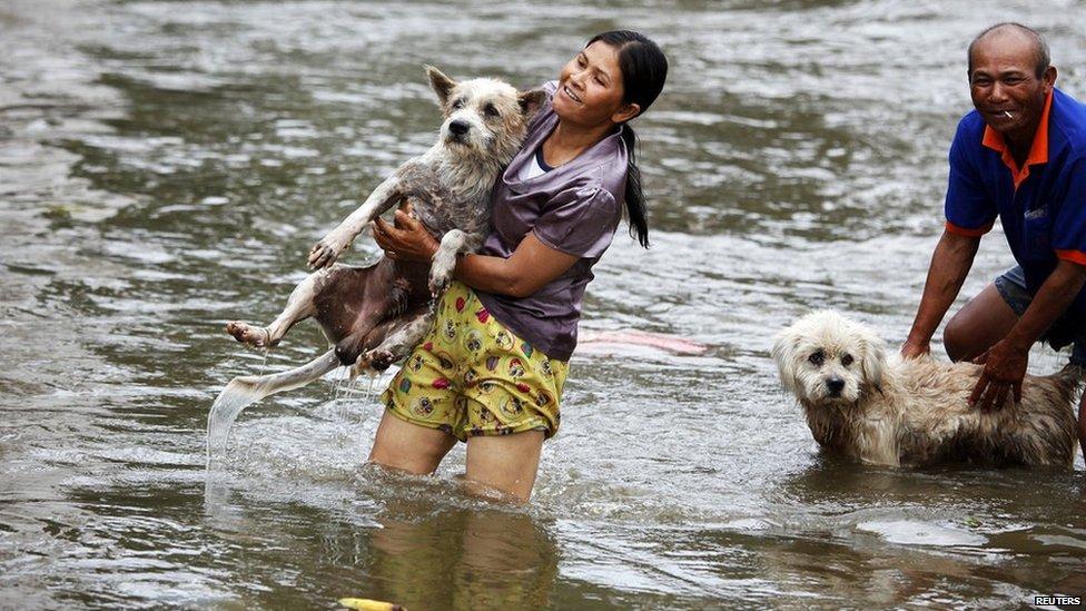 Στη Ταυλάνδη με πλημμύρες..