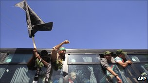 A bus carrying Palestinian prisoners arrives at Rafah crossing