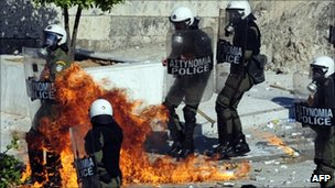 Greek police are attacked by petrol bombs. Photo: 19 October 2011