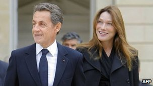 French President Nicolas Sarkozy and Carla Bruni in Paris (Sept 2011)