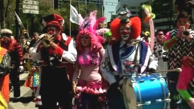 BBC News - Latin American clowns converge on Mexico City