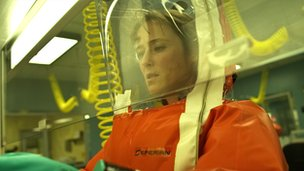 Jennifer Ehle in Contagion - (c) Warner Bros