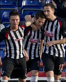 Dunfermline celebrate Liam Buchanan's goal