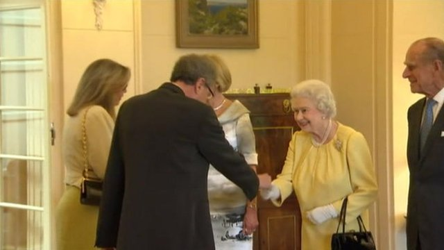 The Queen meets Geoffrey Rush