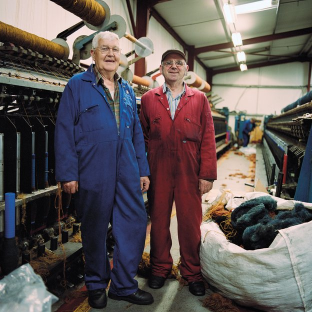 Donald 'Pinch' MacArthur and Alistair 'Scotie' Scott at the Carloway Mill.