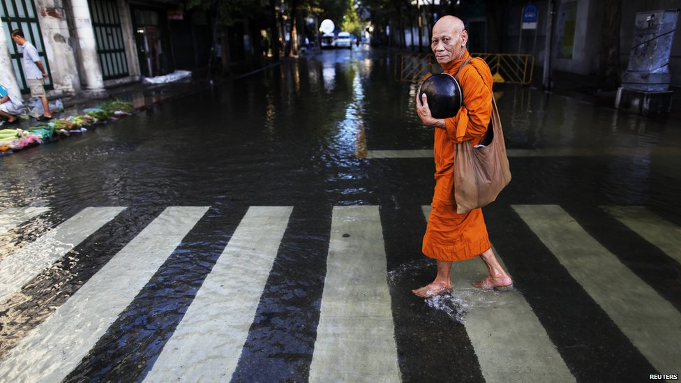 Bbc news in pictures waters threaten bangkok