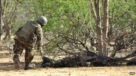 Kenyan soldiers advance near Liboi in Somalia, on 18 October 2011