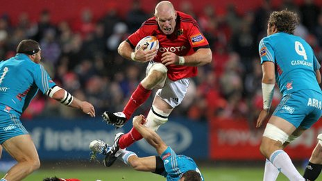 Munster lock Paul O'Connell on the charge against Aironi at Musgrave Park