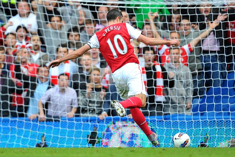 Robin van Persie scores Arsenal's fourth goal at Chelsea
