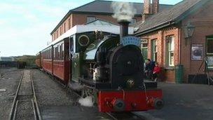 Train at Talyllyn station