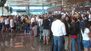 Queues at Changi Airport in Singapore (Pic: Jacquii Lie)