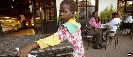 A beggar at a restaurant in Zimbabwe (archive shot)