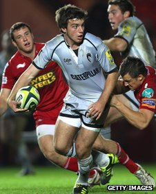 George Ford takes on the Scarlets defence for Leicester in the LV= Cup