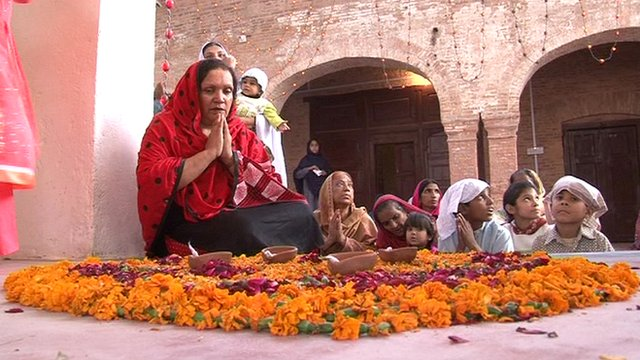 Hindus worship at Peshawar temple