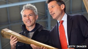 Jonathan Edwards and Sebastian Coe with the Olympic torch