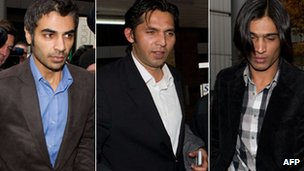 Salman Butt, Mohammad Asif and Mohammad Amir arrive at court for sentencing on 3 November 2011