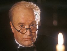 Robert Hardy as Winston Churchill in Bomber Harris