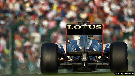 A Renault shows its Lotus sponsorship at the Japanese Grand Prix
