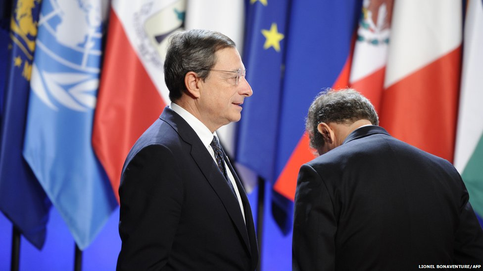 European Central Bank chief Mario Draghi (L) stands by US Treasury Secretary Timothy Geithner, 4 November 2011.