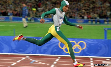 Cathy Freeman wins the 2000 Olympics 400m women's final