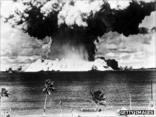 Mushroom cloud rises from the waters of Bikini Lagoon, 1946