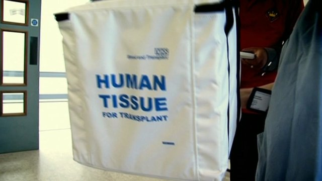 Human tissue label on cool bag