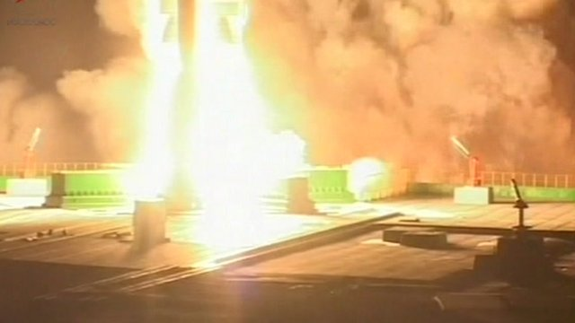 Phobos-Grunt's Zenit rocket blasts off