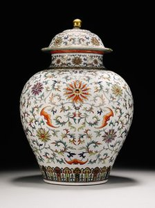 18th century Qing dynasty jar