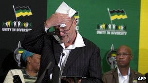Derek Hanekom speaks during a news  conference on the suspension of Julius Malema, 10 November 2011