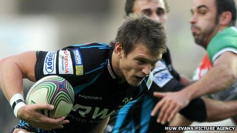 Ospreys fly-half Dan Biggar makes a break against Castres