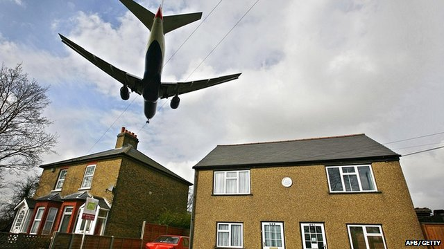 Plane bound for Heathrow airport