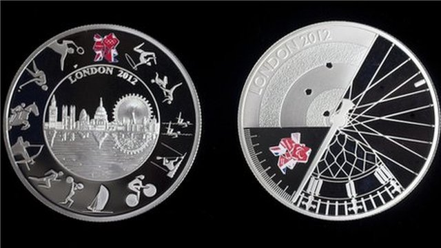 2012 official £5 Olympic coin