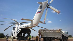 WFP aircraft being loaded with food in South Sudan