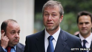 Roman Abramovich arriving at court, 4 Oct 11