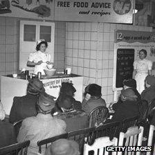 Ministry of Food recipe advice session in 1940s