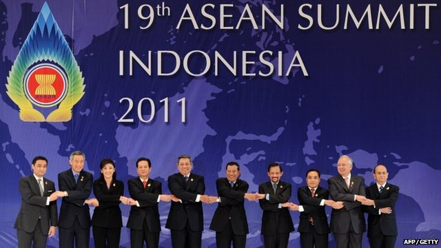 Asean leaders pose for a photo