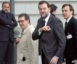 Mariano Rajoy (foreground) at a Mass for the victims of the Madrid bombings, 24 March 2004