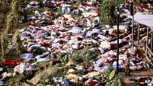 Bodies of the slain Jonestown cult members