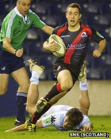 Greig Laidlaw skips over for Edinburgh's second try