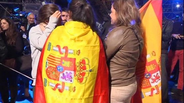 PP supporters celebrating Rajoy's victory