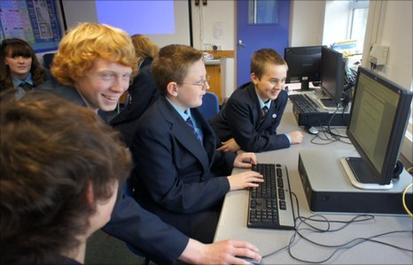 Students at Hamble Community Sports College work together