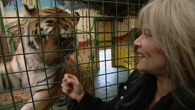 Sam Fox with tiger