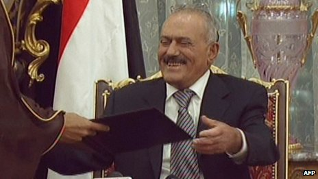 Yemeni President Ali Abdullah Saleh signs a deal to leave power in the Saudi capital Riyadh on 23 November 2011