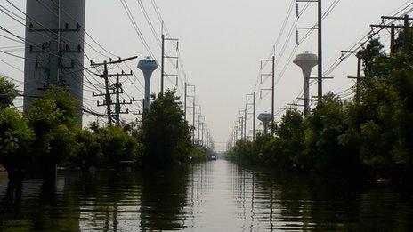 Floodwater in the Navanakorn Industrial Estate