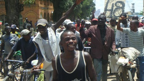 Alphonse Awenze Makiaba on the campaign trail (November 2011)