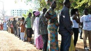 Gambians voting in Serrekunda, 24 November 2011