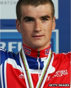 Jonathan Bellis celebrates placing third on the podium in the men's under-23 road-race during the UCI Road World Championships in 2007