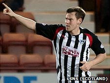 Dunfermline striker Andrew Barrowman